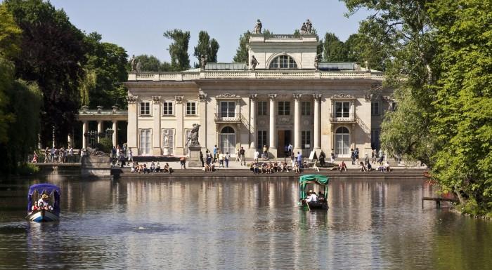 Lato w Warszawie: jak spędzić wolny czas w plenerze?
