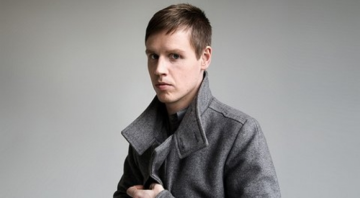 Sweep the floor : JORIS VOORN