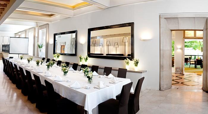 Villa Foksal Restaurants And Cafes Warsaw Via City Map
